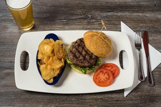 Mulligan's Beach House Bar and Grill: BBOB (Best Burger On Beach)