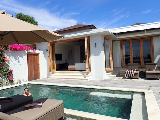 Gili Gede, Indonesia: pool villa with more space around the pool and seaview