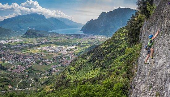 arco mountain guide rock climbing