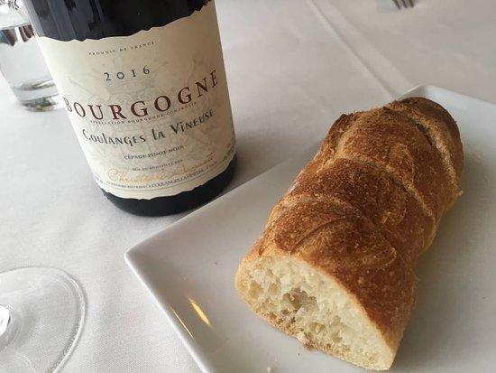 Pontaubert, Francia: Vinho e pão