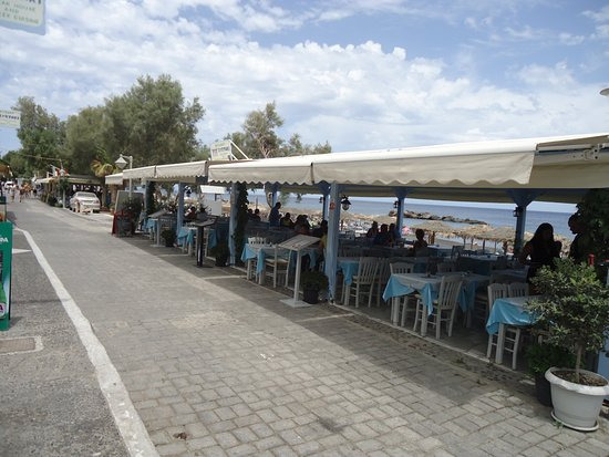 Syrtaki Restaurant - the terrace close to the beach