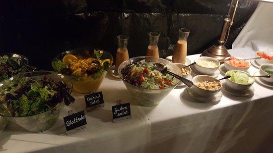 Ringsheim, Jerman: Salatbuffet einer Familienfeier