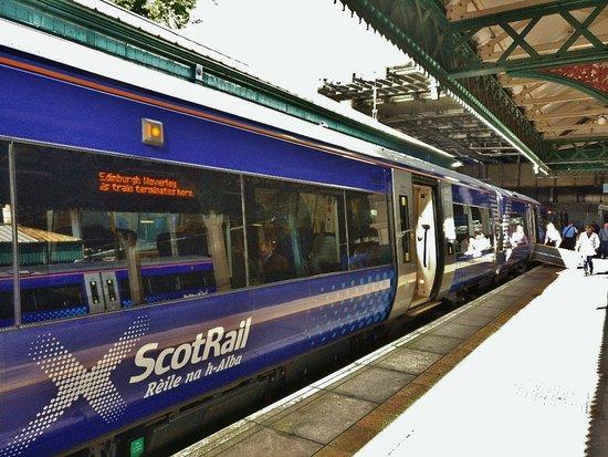Вокзал Уэверли \ Edinburgh Waverley Station