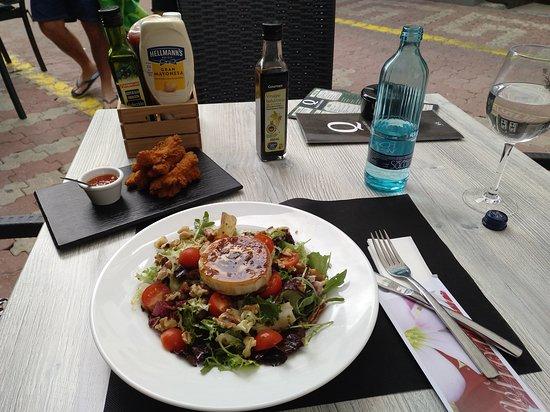 Tropi Q Food and Cocktails Foto