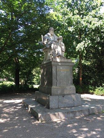 Pettenkofer Denkmal