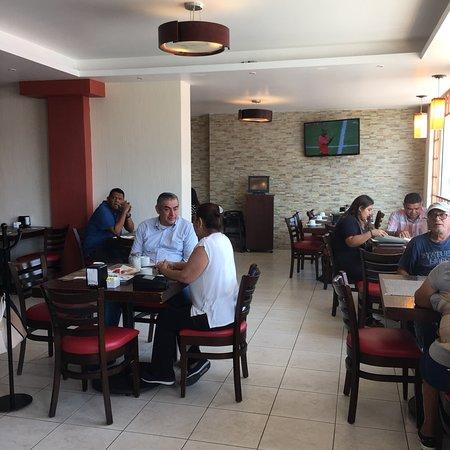 Juchitan, Mexico: Es un lugar Excelente para desayunar, comer o cenar, la atención del personal es muy buena, alta