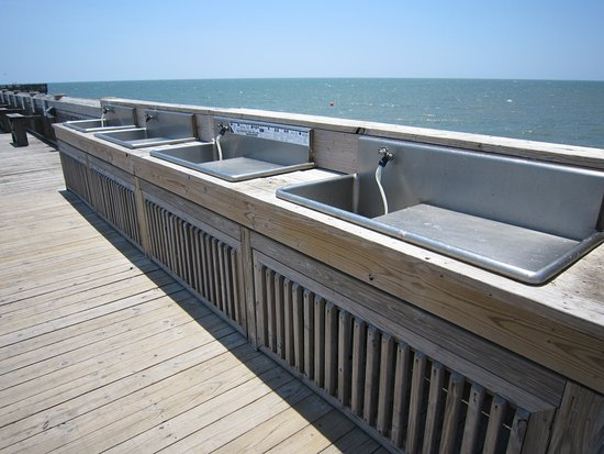 Folly Beach Fishing Pier: Fish cleaning station