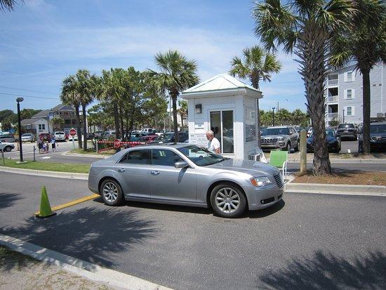 Folly Beach Fishing Pier: Parking attendant