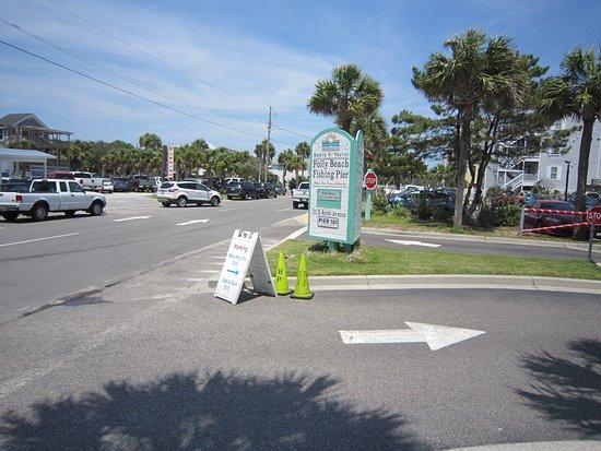 Folly Beach Fishing Pier: Parking fee