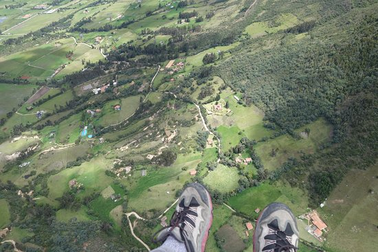 Paragliding Paraiso: Up there