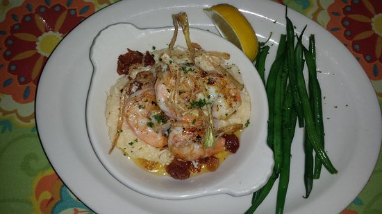 Glendale, OH: Shrimp & Grits with Haricot Verts