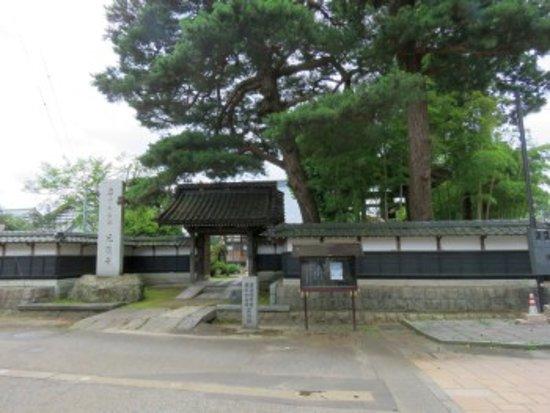 Koen-ji Temple: 山門前