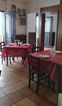 Trattoria Pizzeria La Lampara: Sala al primo piano