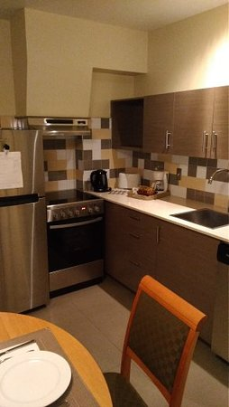 Le Square Phillips Hotel & Suites: kitchen