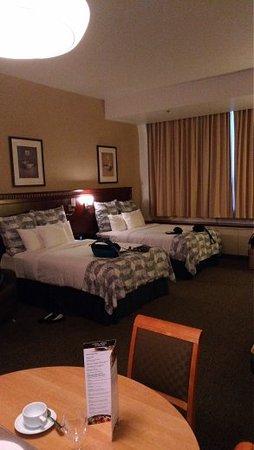 Le Square Phillips Hotel & Suites: 2 queen beds