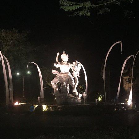 Laguna Garden Restaurant Mengiat ภาพถ่าย
