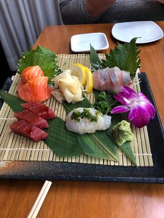 Masu Sushi: sashimi w/salmon, hamachi belly, big eye tuna & hirame.
