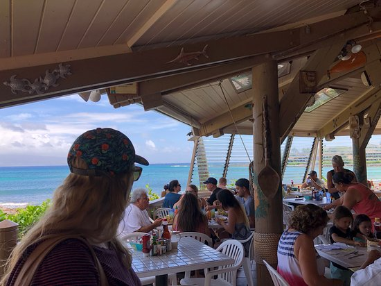 Gazebo Restaurant at Napili Shores: Inside the Gazebo - small restaurant