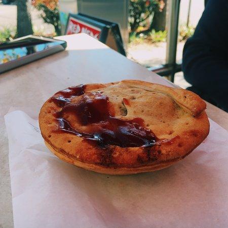 Фотография Red Neds Gourmet Pies