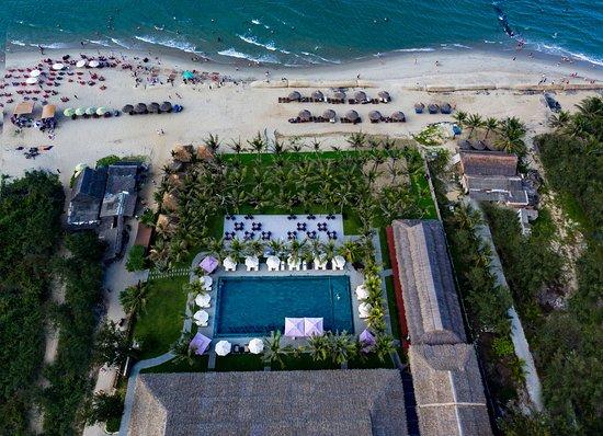 Hoi An Silk Village Resort & Spa by Embrace: Hoi An Silk Beach Club- Resort's private beach