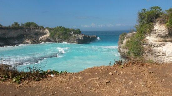 Blue Lagoon Cliff Jump: Blue lagoon