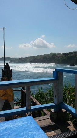 Blue Lagoon Cliff Jump: Mahana Point