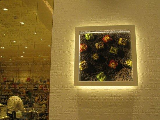 Venchi Cioccolato e Gelato, Milano CityLife Shopping District: Venchi