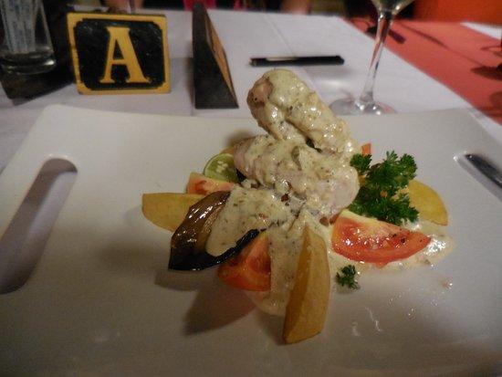 Lezat Beach Restaurant: Mahi Mahi with garlic caper sauce