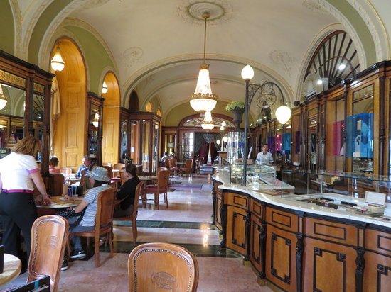 Gerbeaud: Beautiful interior