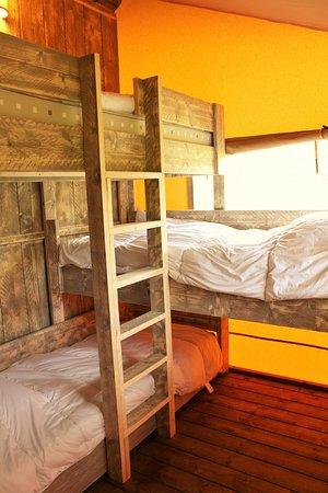 Castel Camping Le Brevedent: Chambre triple, lits superposés, Chalet toilé Woody, Camping Le Brévedent