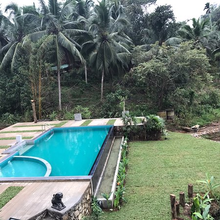 Sinharaja Forest Edge: Swimming pool