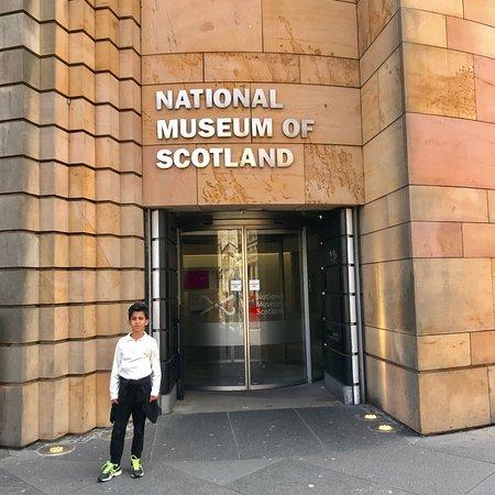 متحف اسكتلندا الوطني صورة فوتوغرافية