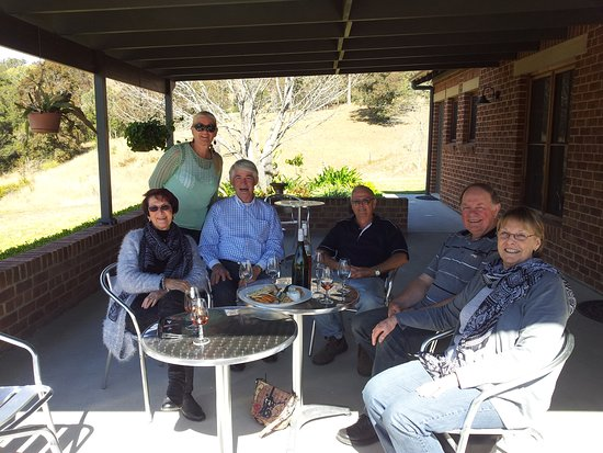 Gloucester, Australien: With friends at Tugwood