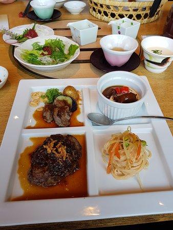 Suganoya Kamitori: 漢堡排套餐