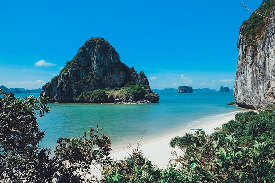 Ladybird Cafe: Dragon Bay Cruises - Ethnic  Travel Vietnam