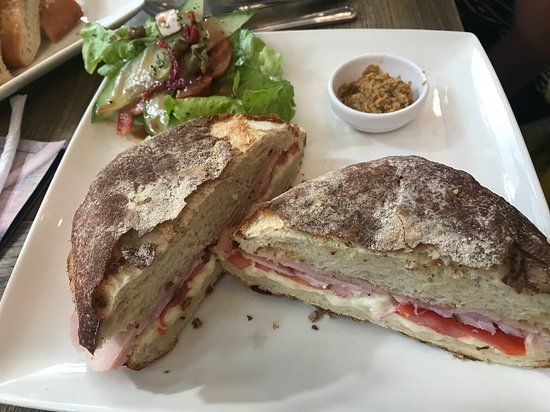 Chelsea's Cup n' Cake: Ham and Cheese sanwich