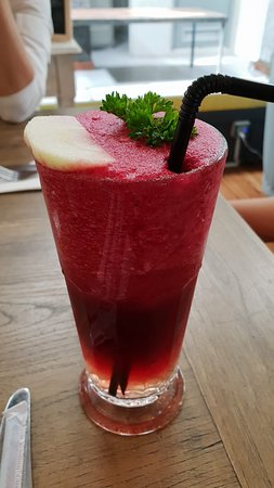 Chelsea's Cup n' Cake: Beetroot juice with some other stuff. Nice!