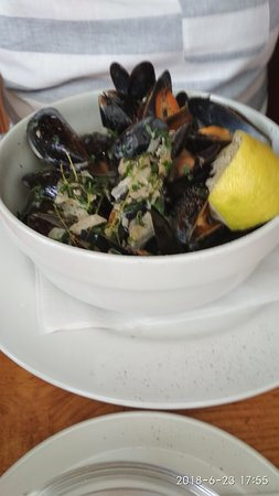 The Plough: Mussels