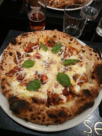 Seu Pizza Illuminati照片