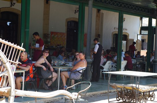 Dona Mencia, Испания: Pitstop at Luque - about 10k from cycle hire