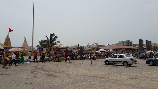 Somnath Temple: Outside temple