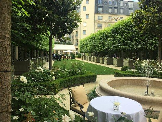 Gartenanlagen Mit Terrasse Picture Of Ritz Paris Paris Tripadvisor