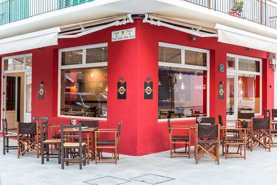 Smoker's Delight Ibiza: corner view
