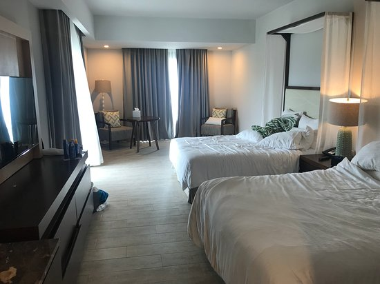 Dreams Dominicus La Romana: Sorry for the messy photo! Lovely spacious room.