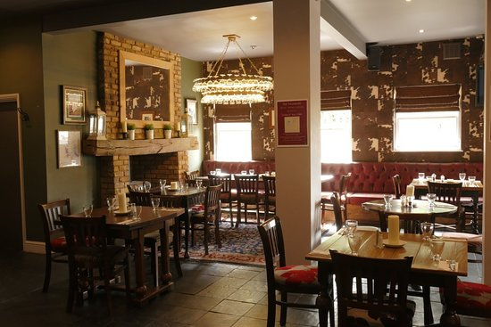 The Telegraph Pub: cosy dining area at 'the telegraph'