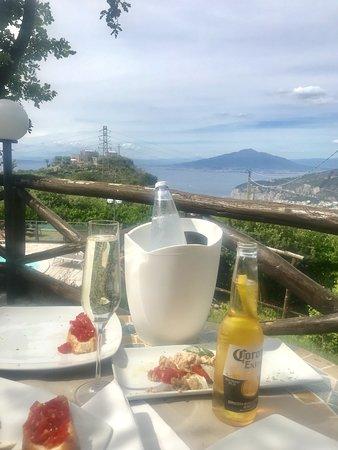 Hotel Prestige Sorrento: Snack in the hotel garden
