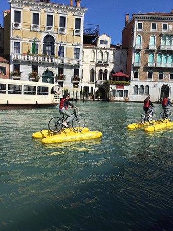Venice Water Bike: viaggiatori felici