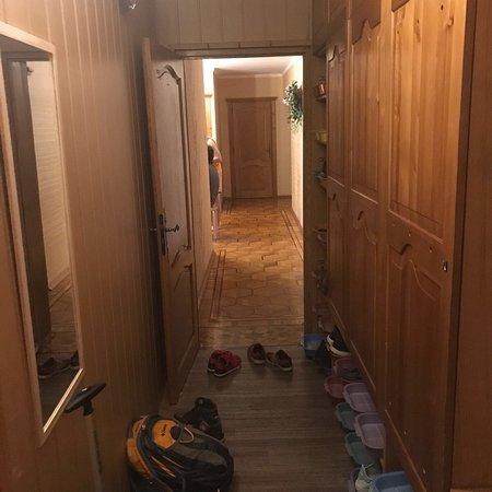 Ne Tolko Hostel: Run away!!!