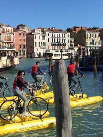 Venice Water Bike: pasqua in compagnia