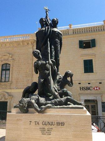 Sette Giugno Monument